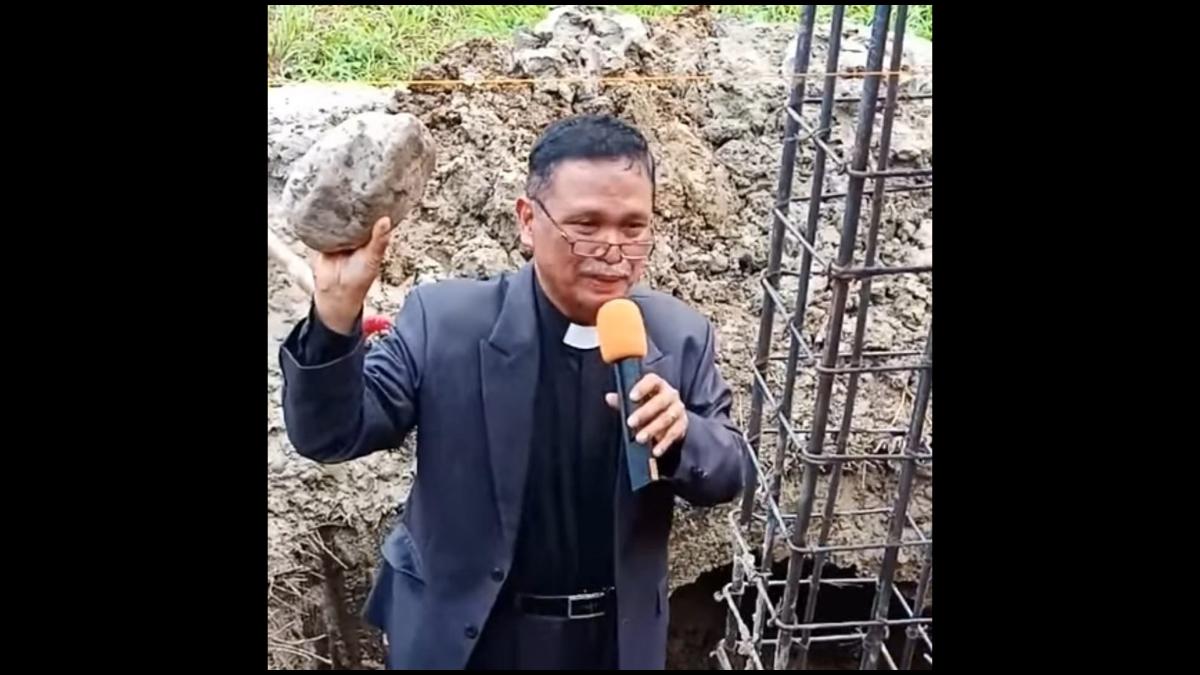 PELETAKAN BATU PERTAMA PEMBANGUNAN GEDUNG GKKA INDONESIA JEMAAT DONGGALA CABANG TOLI-TOLI (Sabtu, 12 Desember 2020)